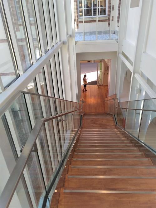 Escalier monumental 2 Uniqlo Rennes